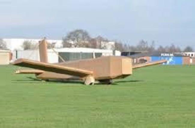 smurfit kappa fait voler un avion en carton alternative. Black Bedroom Furniture Sets. Home Design Ideas
